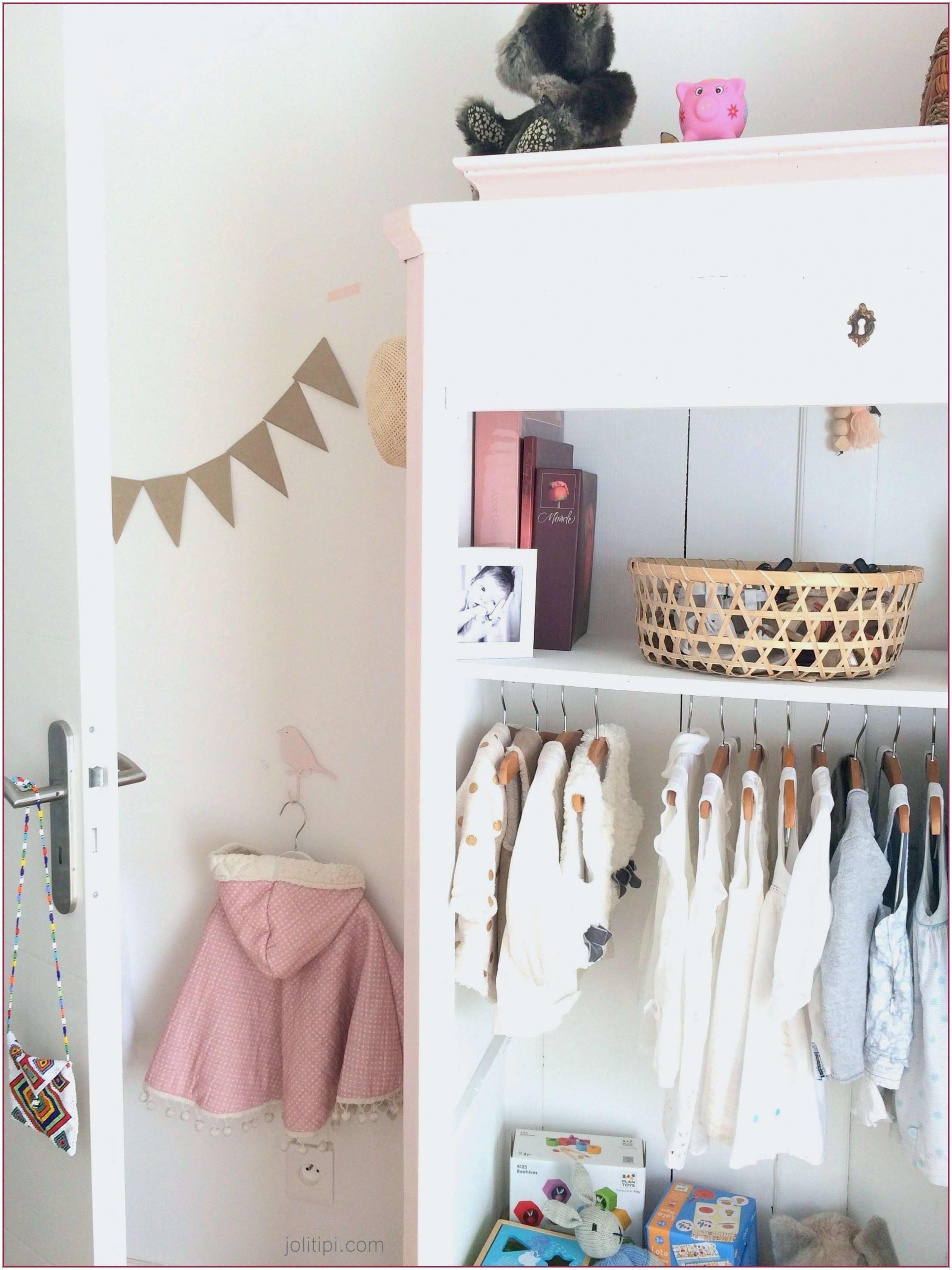 Quelle Couleur De Tapisserie Pour Une Chambre où dénicher un tableau pour la chambre de bébé ?